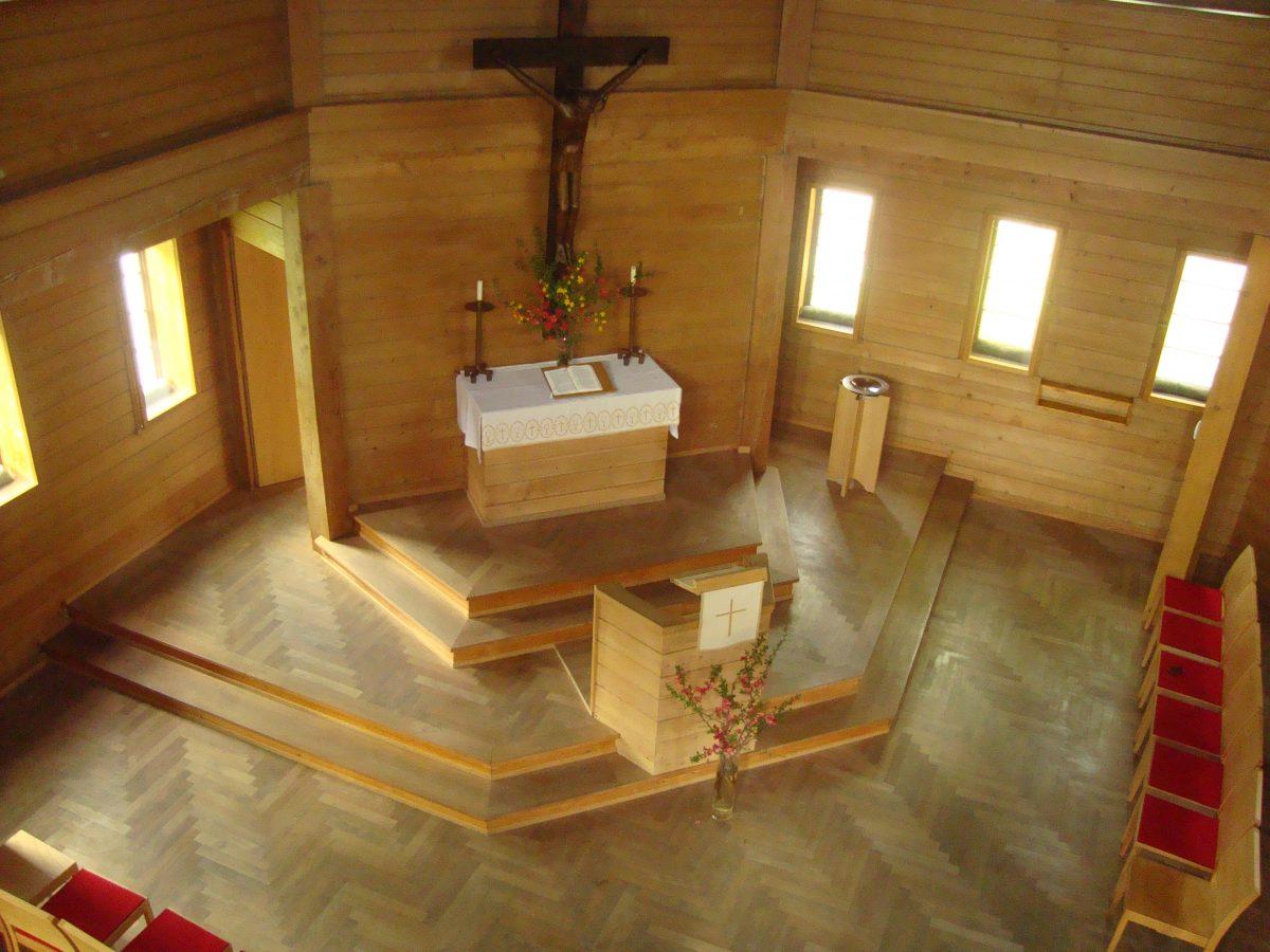 Dornbirn-02-Evangelische-Heilandskirche-Innenansicht-1200x900